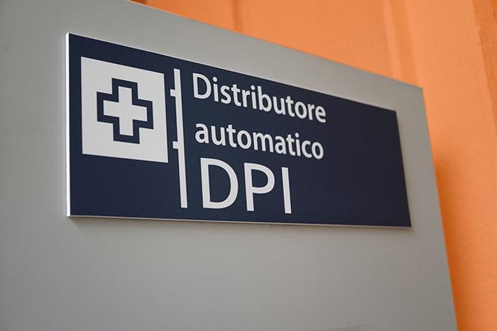 Distributore automatico dispositivi di protezione individuale
